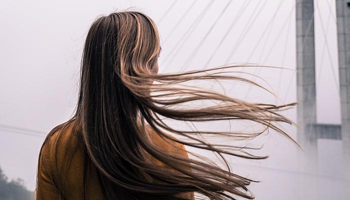 Comment avoir des cheveux plus brillants ?