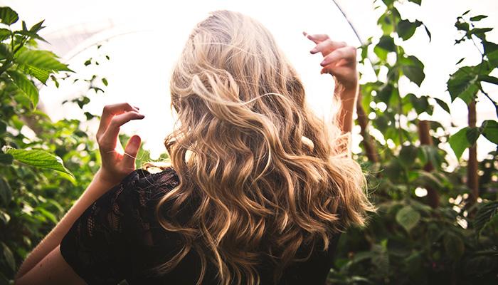 L'huile de ricin, ses bienfaits pour les cheveux