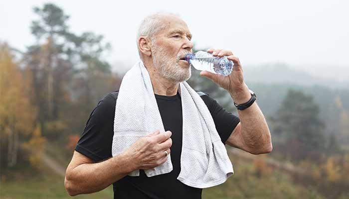 Combien de litres d'eau par jour faut-il boire ?